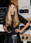 Celebrities Wonder 18107059_elle-macpherson-Launches-The-Super-Elixir_4.jpg