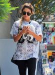 Celebrities Wonder 21390991_vanessa-hudgens-west-hollywood_5.jpg
