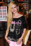 Celebrities Wonder 27776163_avril-lavinge-at-John-Johns_4.jpg