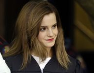 Celebrities Wonder 2888170_emma-watson-graduates_4.jpg