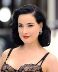 Celebrities Wonder 30616332_dita-von-teese-launches-her-lingerie-collection_5.JPG