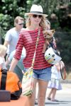 Celebrities Wonder 3134981_naomi-watts-farmers-market_5.jpg