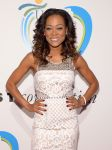 Celebrities Wonder 39583033_13th-annual-Women-Who-Care-event_Robin Givens 2.jpg