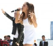Celebrities Wonder 42977027_Born-Free-Mothers-Day-Carnival_Ariana Grande 3.jpg