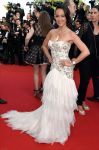 Celebrities Wonder 43989984_cannes-Clouds-Of-Sils-Maria-Premiere_Karine Lima 1.jpg