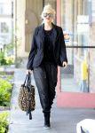 Celebrities Wonder 45357228_gwen-stefani-la_3.jpg