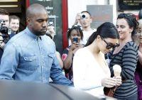 Celebrities Wonder 46769463_kim-kardashian-paris_8.jpg