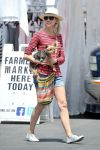 Celebrities Wonder 52652114_naomi-watts-farmers-market_3.jpg