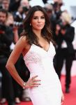 Celebrities Wonder 59424643_cannes-saint-laurent-premiere_5.jpg