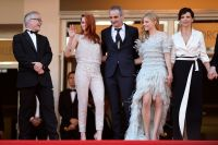 Celebrities Wonder 6052604_cannes-Clouds-Of-Sils-Maria-Premiere_9.jpg