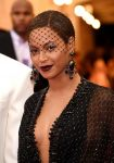 Celebrities Wonder 63547905_beyonce-met-gala-red-carpet_4.jpg