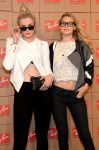Celebrities Wonder 63553145_Ray-Ban-Celebrates-District-1937_Gigi Hadid 2.jpg