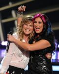 Celebrities Wonder 65663601_american-idol-season-finale_Jennifer Nettles 3.jpg