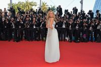 Celebrities Wonder 67624098_mr-turner-premiere-cannes_Blake Lively 2.jpg