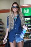 Celebrities Wonder 70815510_vanessa-hudgens-la_5.jpg