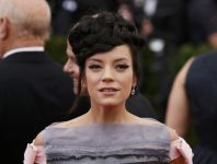 Celebrities Wonder 75988925_lily-allen-met-gala-2014_3.JPG