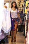 Celebrities Wonder 79329240_nikki-reed-shopping_4.jpg