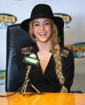 Celebrities Wonder 84349970_shakira-radio-station_4.jpg