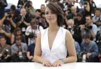 Celebrities Wonder 84552963_berenice-bejo-cannes-the-search-photocall_4.jpg