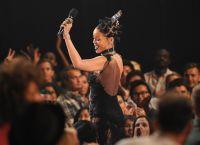 Celebrities Wonder 85412905_rihanna-iHeartRadio-Music-Awards_3.jpg