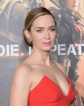 Celebrities Wonder 95378048_emily-blunt-Edge-Of-Tomorrow-ny-Premiere_6.jpg