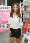 Celebrities Wonder 16385417_maria-menounos-book_2.jpg