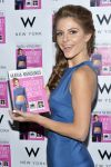 Celebrities Wonder 18017115_maria-menounos-The-Everygirls-Guide-to-Diet-and-Fitness-Book-Event_3.jpg