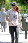 Celebrities Wonder 25714274_kristen-stewart-skinny-jeans_5.jpg