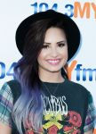 Celebrities Wonder 32088250_demi-lovato-1043-MY-FM-My-Big-Night_4.jpg