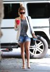 Celebrities Wonder 35321094_ashley-tisdale-short-shorts_2.jpg