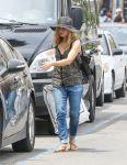 Celebrities Wonder 37735929_pregnant-kristen-bell-la_2.JPG