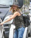 Celebrities Wonder 38023190_pregnant-kristen-bell-la_4.JPG