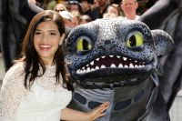 Celebrities Wonder 39388357_america-ferrera-How-To-Train-Your-Dragon-2-London_7.jpg