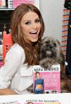 Celebrities Wonder 46199082_maria-menounos-book_4.jpg