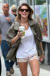 Celebrities Wonder 50748556_ashley-greene-short-shorts_5.jpg