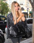 Celebrities Wonder 66571278_kim-kardashian-blonde-hair_5.JPG