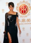 Celebrities Wonder 71159052_halle-berry-2014-Huading-Film-Awards_3.jpg
