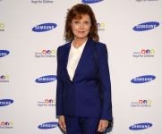 Celebrities Wonder 71419553_Samsung-Hope-for-Children-Gala-2014_Susan Sarandon.jpg