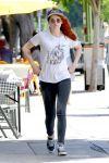 Celebrities Wonder 72920991_kristen-stewart-skinny-jeans_2.jpg