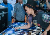 Celebrities Wonder 73307690_demi-lovato-1043-MY-FM-My-Big-Night_7.jpg