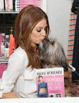 Celebrities Wonder 84159601_maria-menounos-book_5.jpg