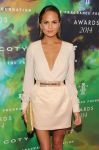 Celebrities Wonder 8744638_Fragrance-Foundation-Awards-chrissy-teigen_3.jpg