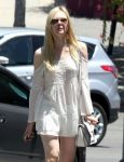 Celebrities Wonder 90540098_elle-fanning-in-Los-Feliz_4.jpg