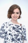Celebrities Wonder 10500349_chanel-coture-front-row_Lily Collins 3.jpg