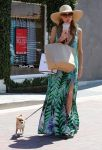 Celebrities Wonder 12404752_Paris-Nicky-Hilton-Malibu_2.jpg