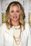Celebrities Wonder 15014107_christina-applegate-comic-con_4.jpg