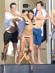 Celebrities Wonder 15183369_michelle-rodriguez-bikini_2.jpg