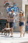 Celebrities Wonder 15356058_leighton-meester-dog-walking_2.JPG