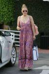 Celebrities Wonder 18308817_jennifer-lopez-maxi-dress_2.jpg
