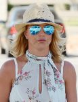 Celebrities Wonder 21639733_britney-spears-grocery-shopping_5.JPG